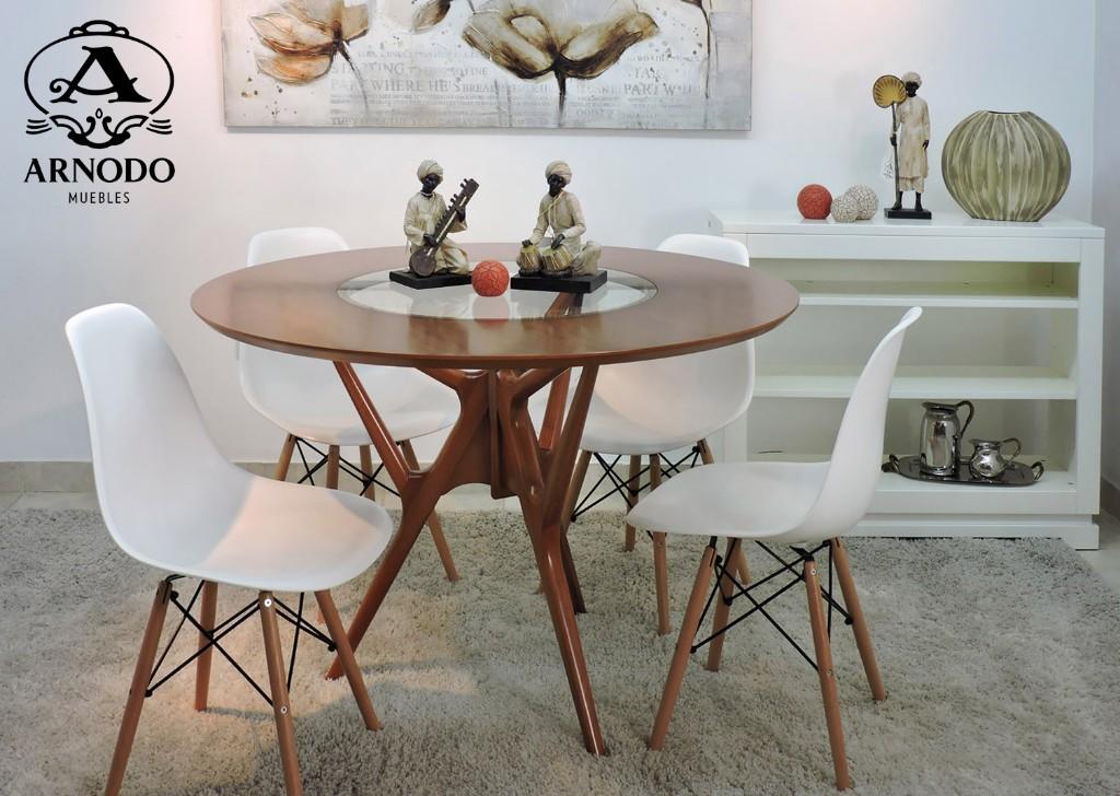 Mesa-redonda-icaro_Silla-Eames